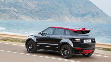 Range Rover Evoque Ember rear tracking