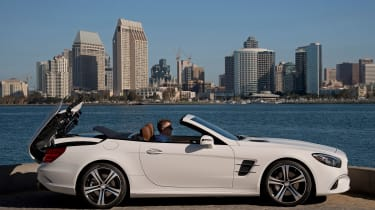Mercedes SL400 - roof opening 3