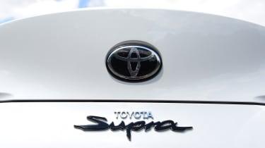 Toyota Supra - badge