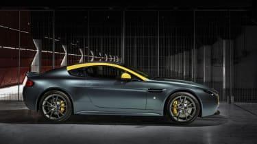 Aston Martin V8 Vantage N430 - profile