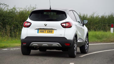 Renault Captur - rear cornering