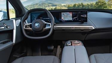 BMW iX - dash