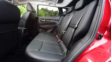 Nissan Qashqai 2016 - rear seats
