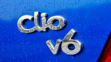 Clio V6 - badge