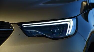 Vauxhall Grandland X - front light