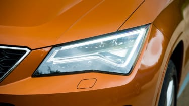 SEAT Ateca FR - front light