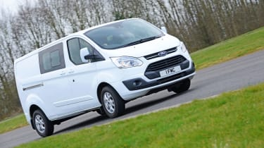 Ford Transit Custom Double-Cab - driving