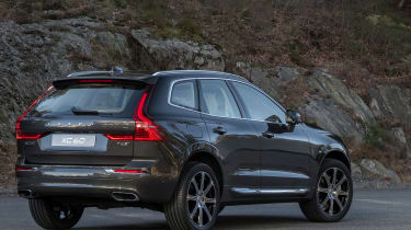 Volvo XC60 2017 - grey rear quarter