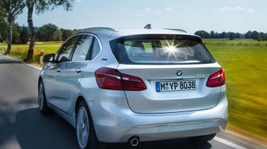 BMW 225xe - rear tracking
