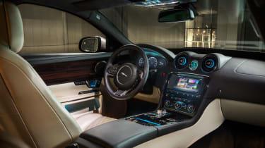 Jaguar XJ interior - front