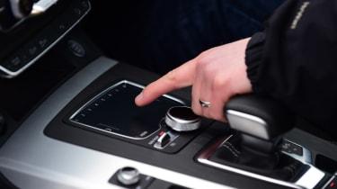 Audi Q5 - pad/hand