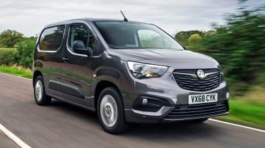 Vauxhall Bombo - side tracking