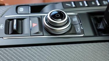 Maserati Levante - controls