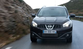 Nissan Qashqai+2 1.6 dCi front tracking