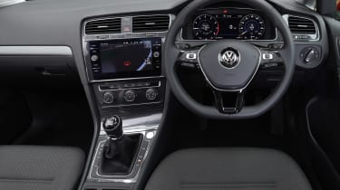 Volkswagen Golf - dash