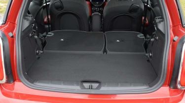MINI Cooper D 2014 boot 1