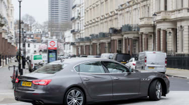 How to be a chauffeur - Maserati Quattroporte rear cornering