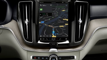 Volvo XC60 facelift - screen