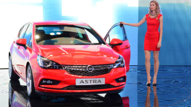 """<p class=""""p1"""">The new Vauxhall Astra shows off its sharp lines.</p>"""