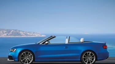 Audi RS5 Cabriolet side