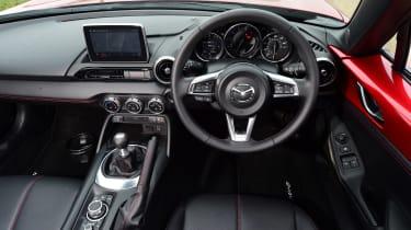 Mazda MX-5 RF - dash