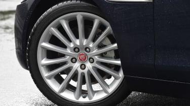 Jaguar XE 200PS - wheel