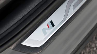 Hyundai i30 N Fastback - sill