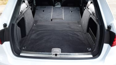 Audi A4 Avant - boot seats down
