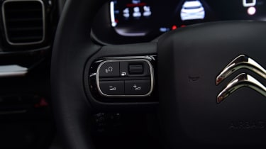Citroen C5 Aircross - steering wheel detail