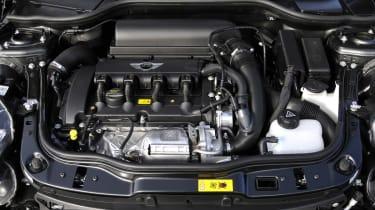 MINI Coupé engine