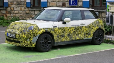 MINI electric - spyshot 1