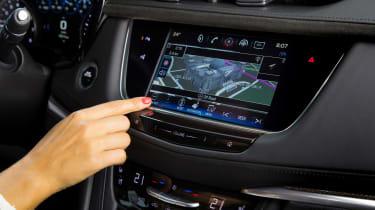 Cadillac XT5 SUV 2016 - infotainment