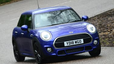 MINI Cooper - front action