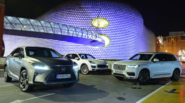 Lexus RX vs Porsche Cayenne vs Volvo XC90 - night