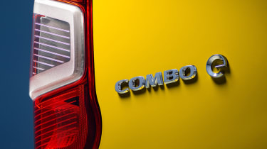 Vauxhall Combo-e van badge