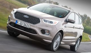 Ford Kuga Vignale 2016 - front tracking