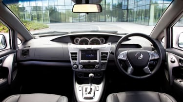 SsangYong Turismo - cabin