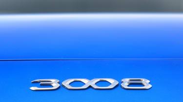 New Peugeot 3008 facelift 2020 badge 2