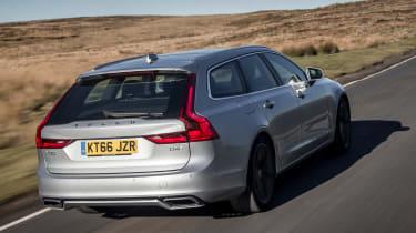 Volvo V90 R-Design 2017 - rear tracking