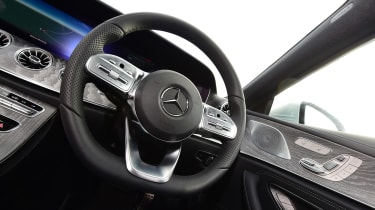 Mercedes CLS - steering wheel