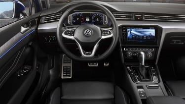 Volkswagen Passat - cabin