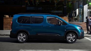 Peugeot e-Rifter - side