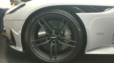 Aston Martin DBS Superleggera - reveal wheel