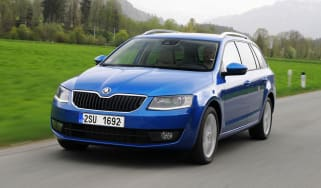 Skoda Octavia Estate front tracking