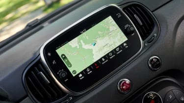 Abarth 695 70th Anniversario - sat-nav