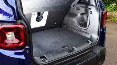 Jeep Renegade - boot