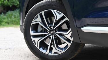 Hyundai Santa Fe - long-term first report wheel