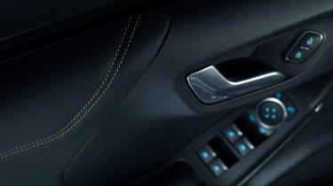 Fan-designed Ford Puma ST Gold Edition - door