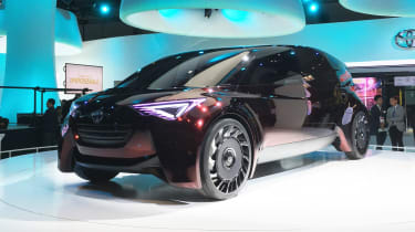 Toyota Fine-Comfort Ride concept - Tokyo front