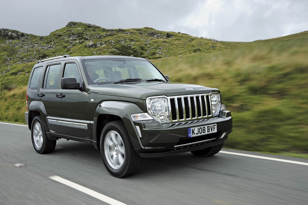 Jeep Grand Cherokee L, anteprima sul suv 5 posti europeo